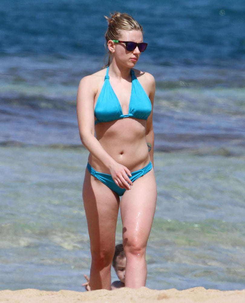 Scarlett johansson bikini photos-9741