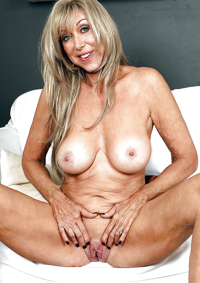 old-naked-cougars-hot-beauty-fucked-gif