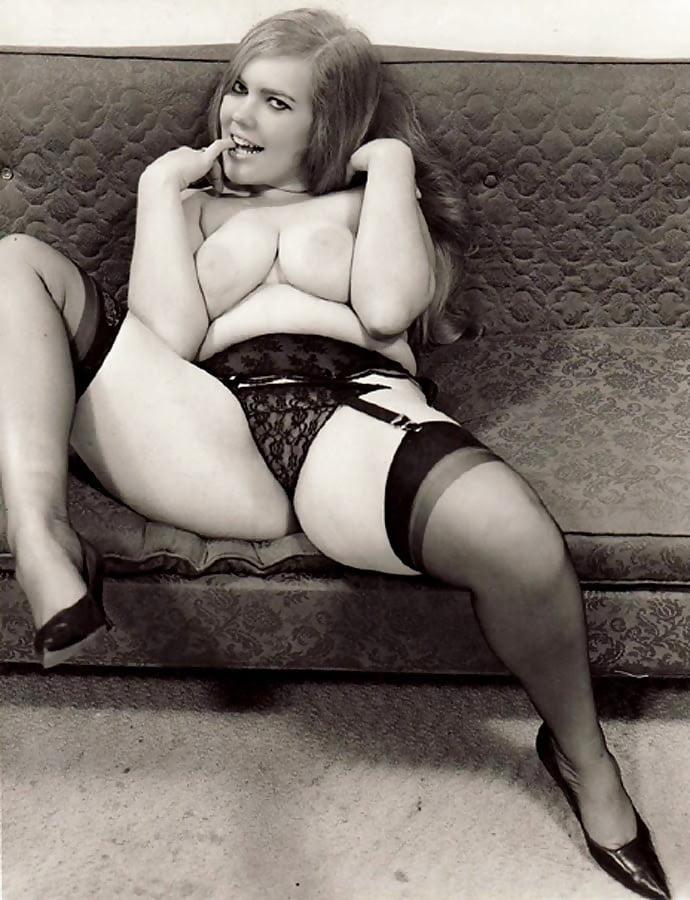 Vintage Chubby Babe - 30 Pics  Xhamster-9062