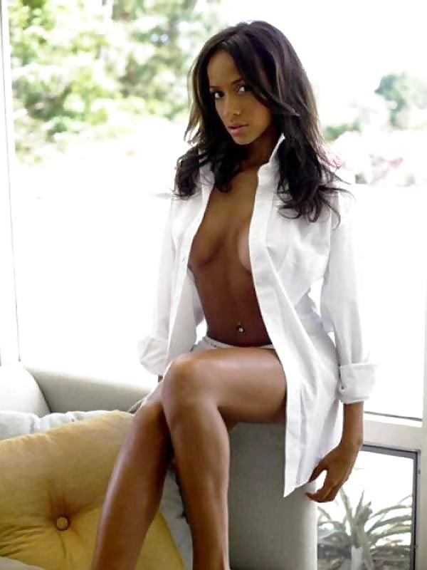 Dania ramirez, danielle campbell paulina singer exposed sexy photo