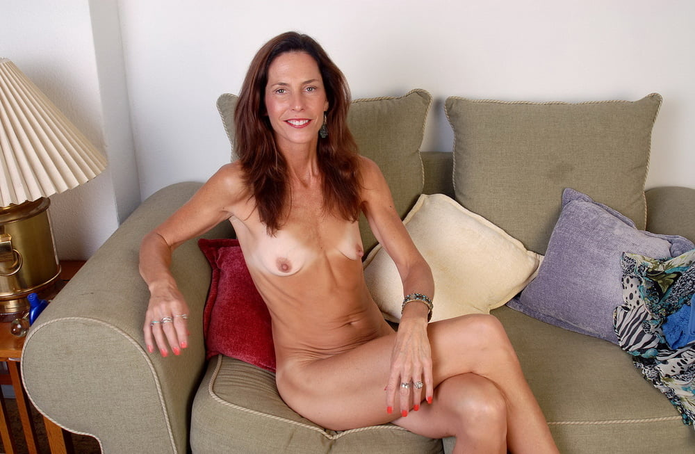 Milf begs shorty mac for anal
