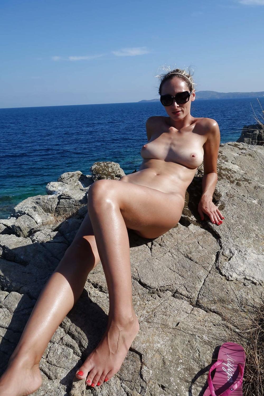 жена на море голышом - 10
