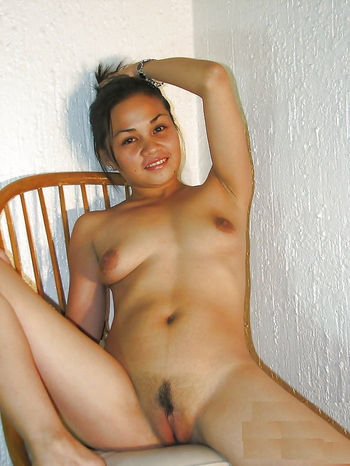 Young hottie shows off the pink of her pussy in a manila hotel room