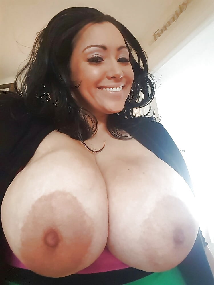 skye-share-pictures-my-tits
