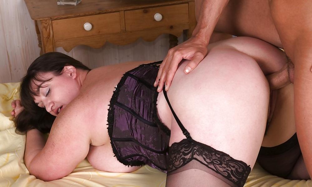 Порно с толстозадыми в чулках, массаж сисястой тети порно онлайн