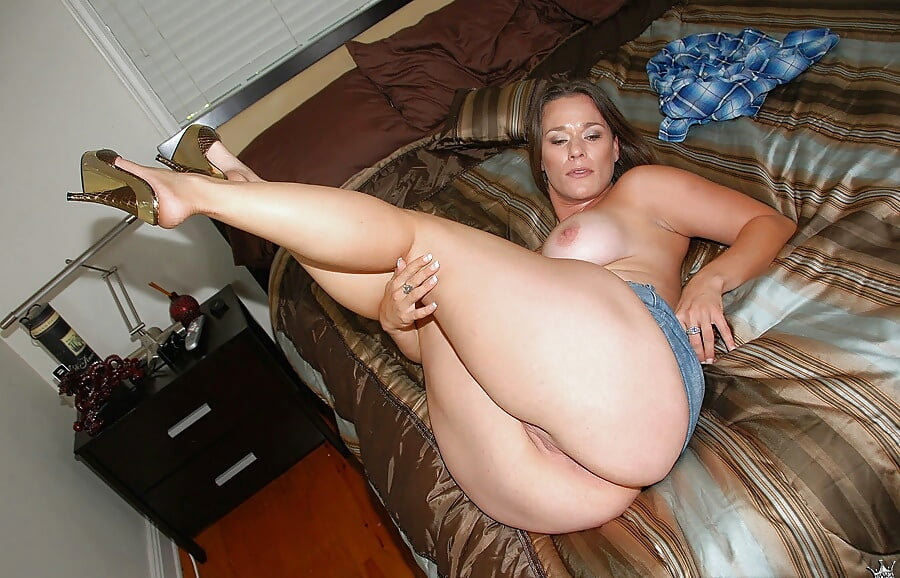 sexy-thick-mifs-naked