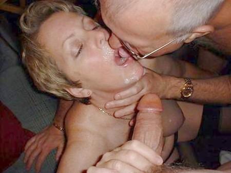 dick Couple share a