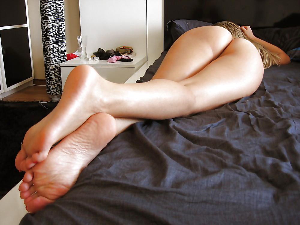 Эро фото со ступнями