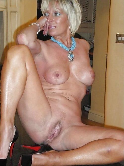 пальчик порно фото красивых женщин возрасте шлюха