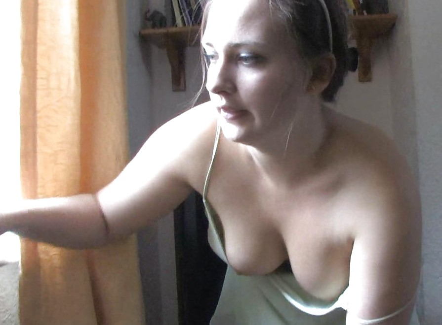 Wife downblouse