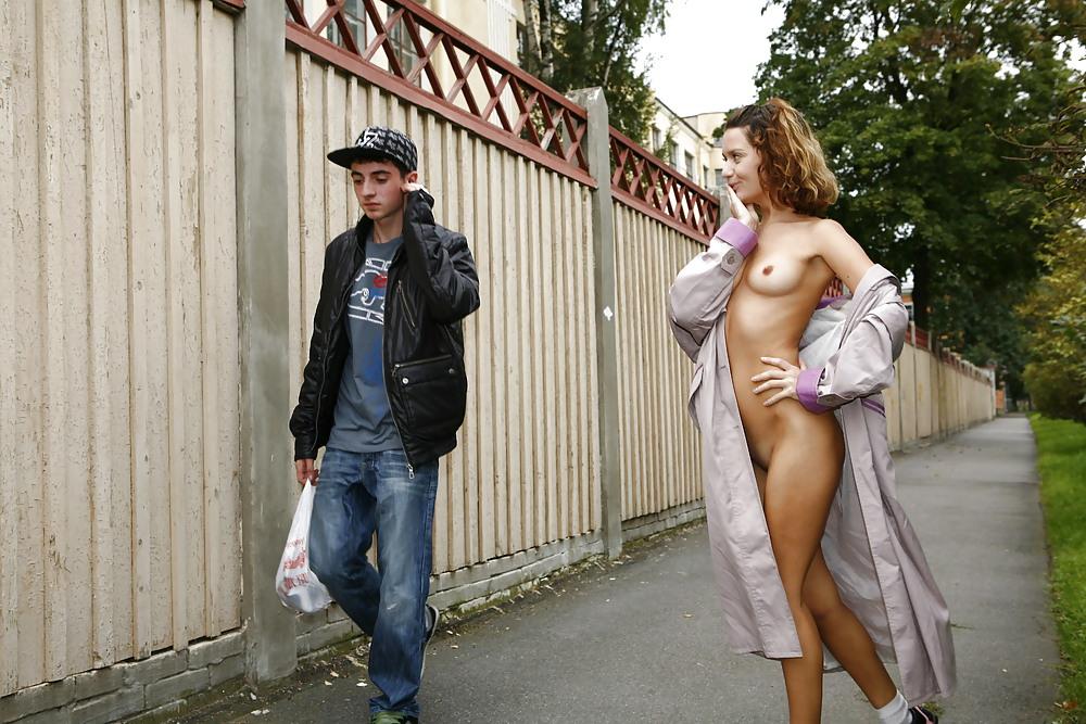 Порно на улице питер, взрослая баба трахнулась