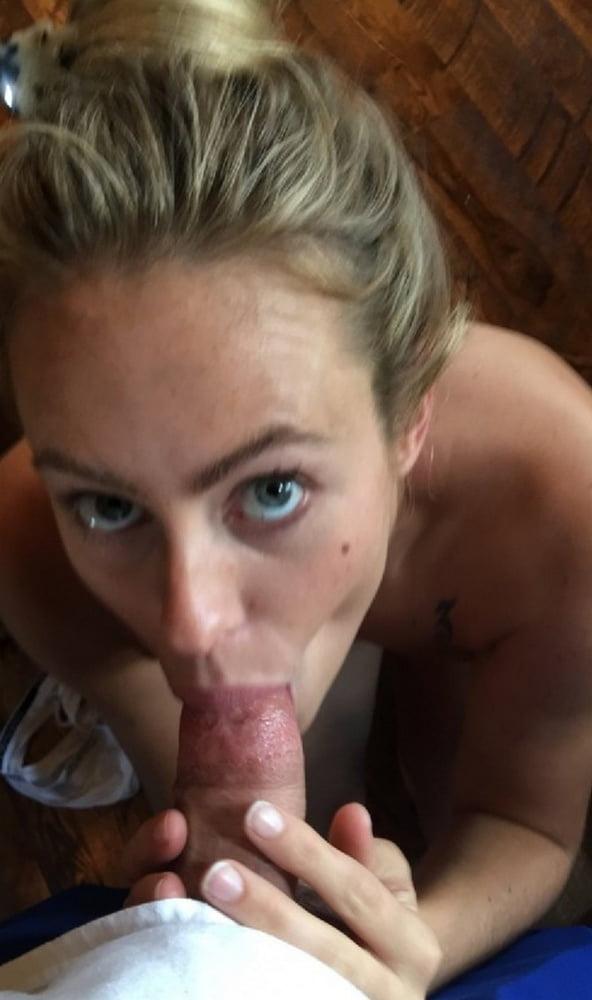 Sucking Cock While Masturbate