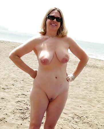 Bilder nackt zu hause Nackt Zu