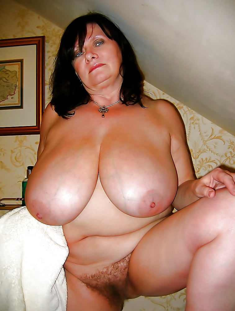 Sweet Nude Fat Mature Tits