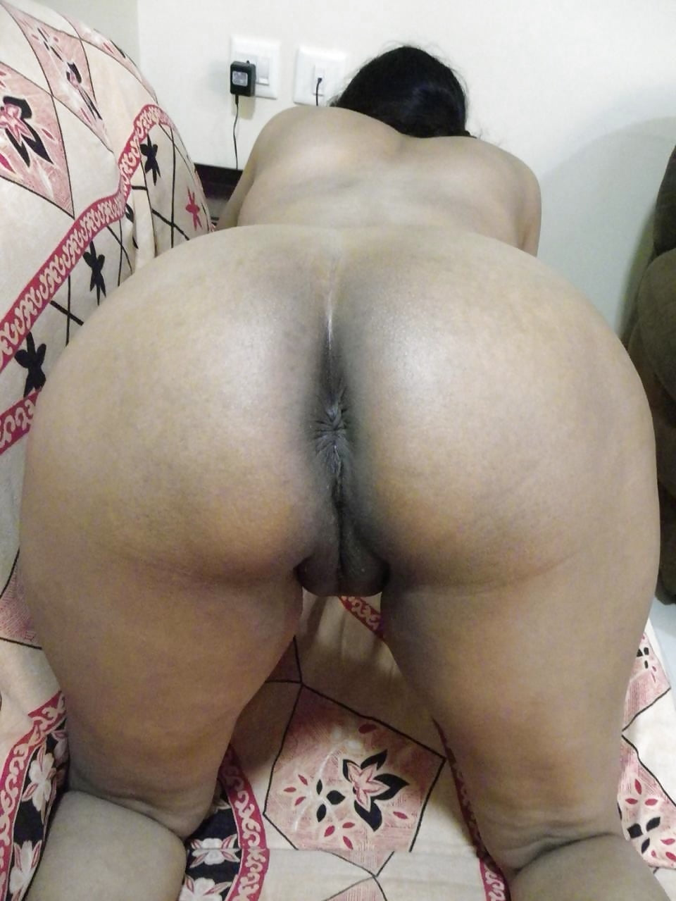 Indian Aunty Big Ass In Cam