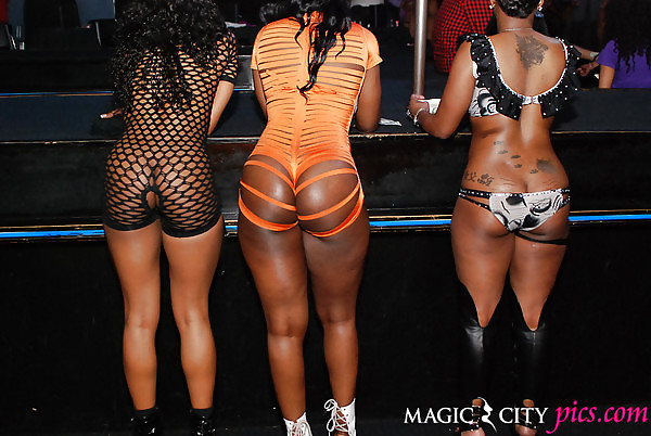 Big black booty day stripper