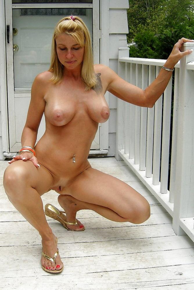 Nude milfs trailers