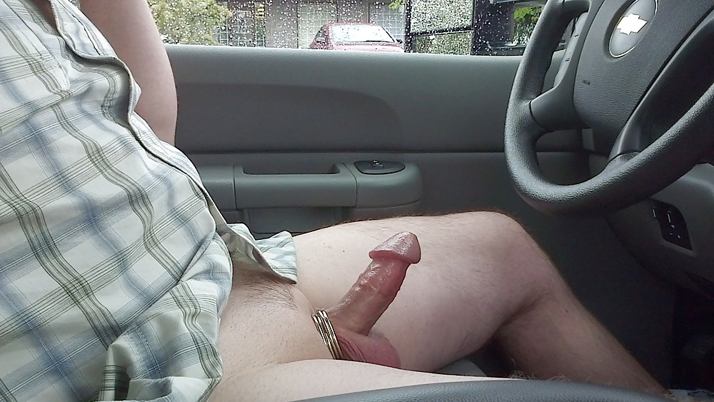 pics-men-naked-driving