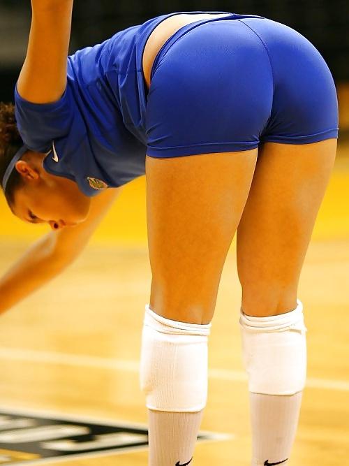Still lovin girl's volleyball