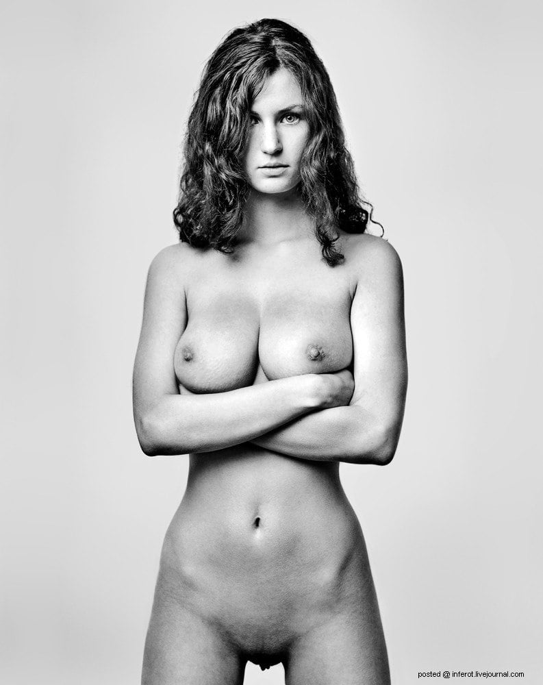 Nude Victoria's Secret Models In Black And White