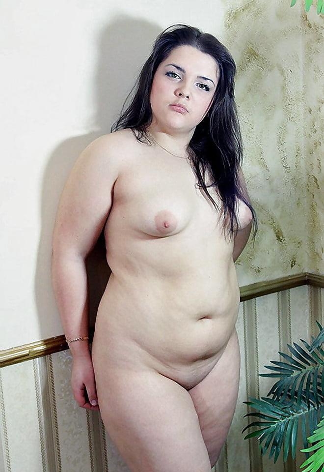 Hot white girl with fat pussy free live show