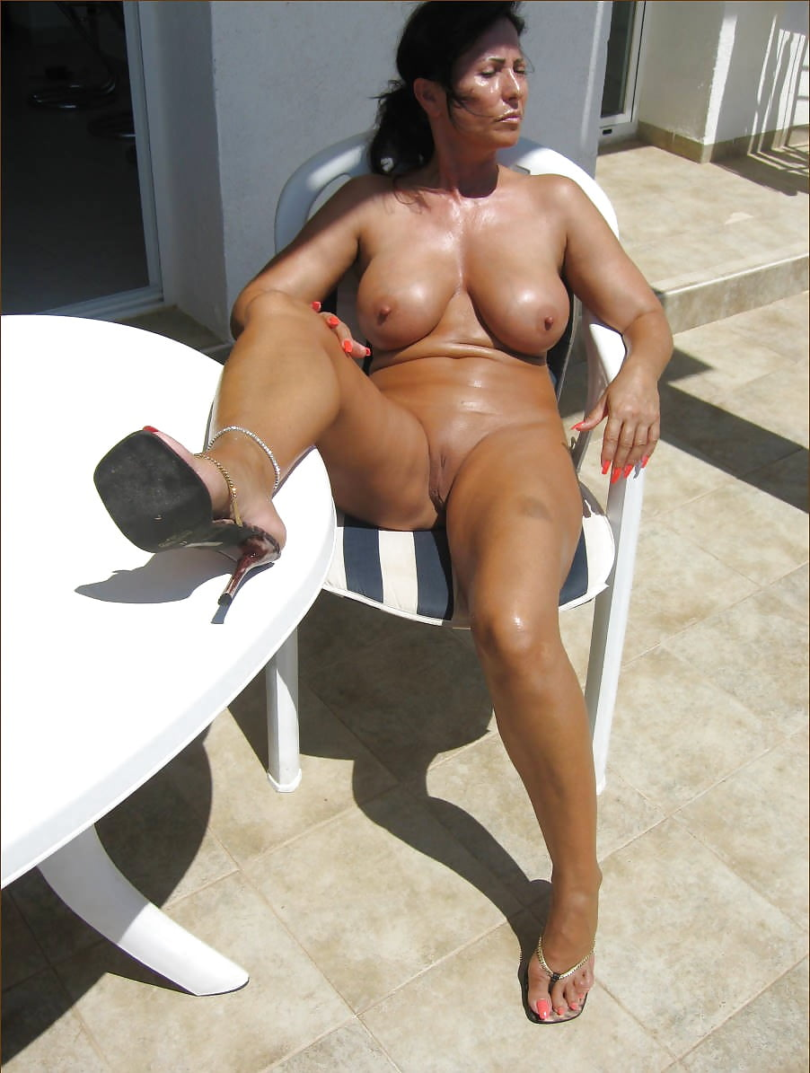 Nude pic mature woman