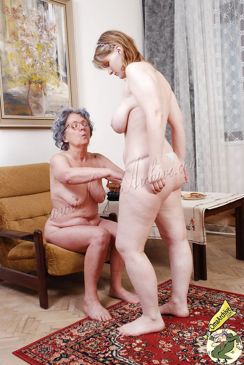 Mature women naked pictures