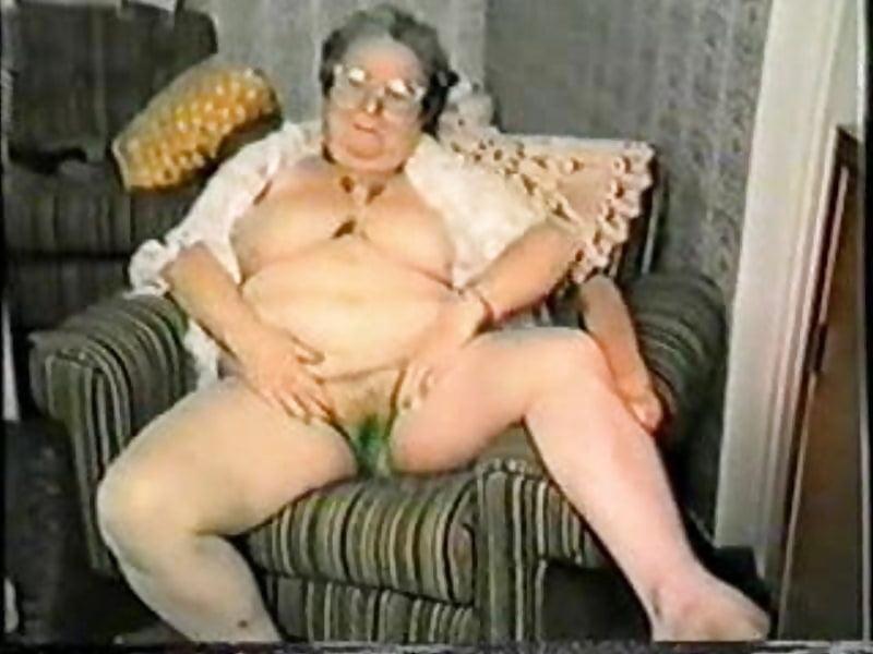 порно со старушками с огурцом - 13