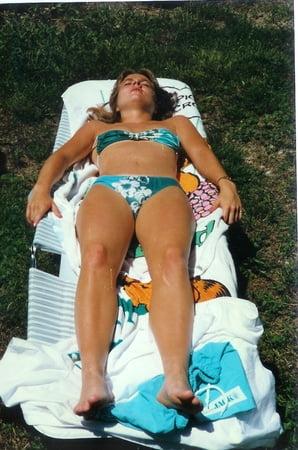 bikini girls Backyard