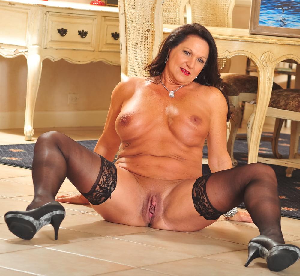 Mature Girlfriends Naked Horny Mature Women Full Size