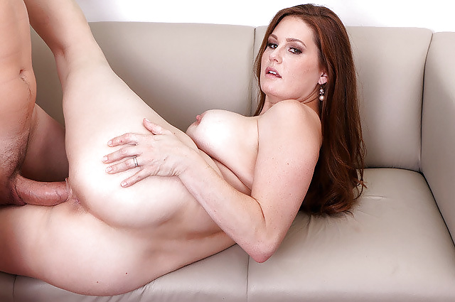 Busty stepmom seducing