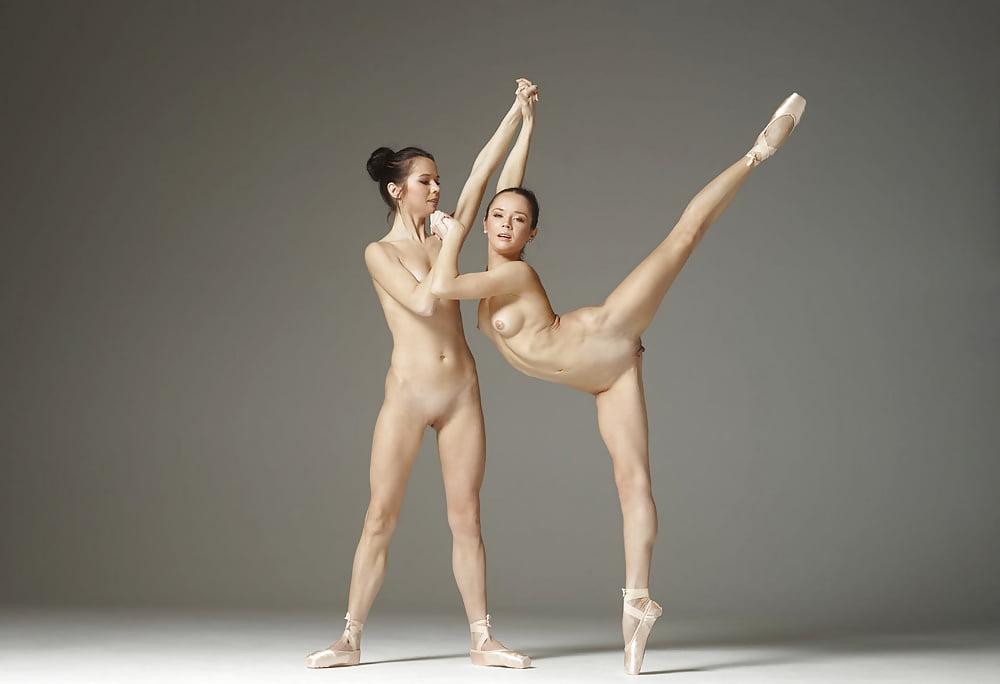 foto-balet-golishom-porno-tetki-za-pyatdesyat-bez-kompleksov