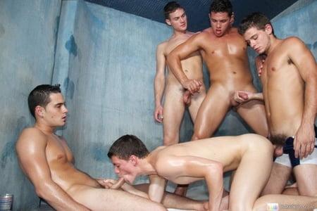 Sauna gay 93