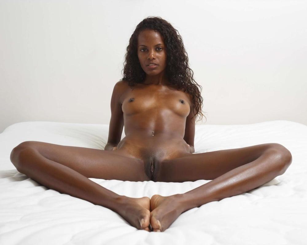Nude black women video — photo 4