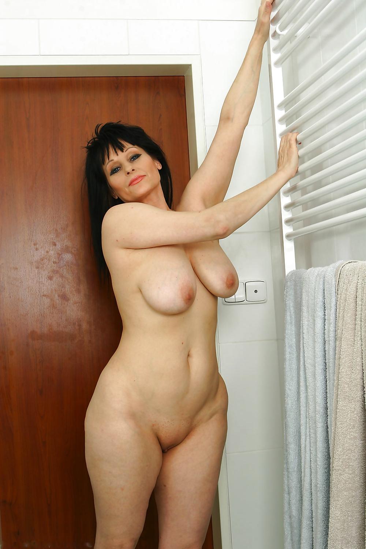 analniy-seks-teti-golie-znamenitie-znamenitosti
