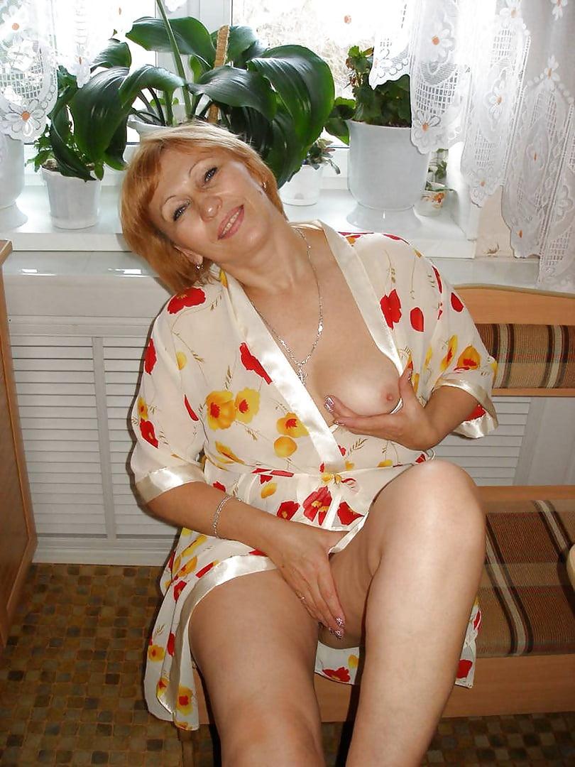 русская мамочка в халате порно - 9
