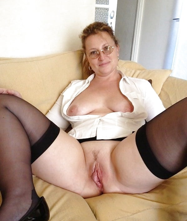 Naked mature gallery-6011