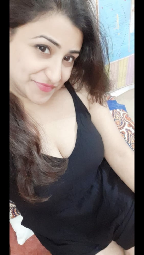 Big busty indian aunty