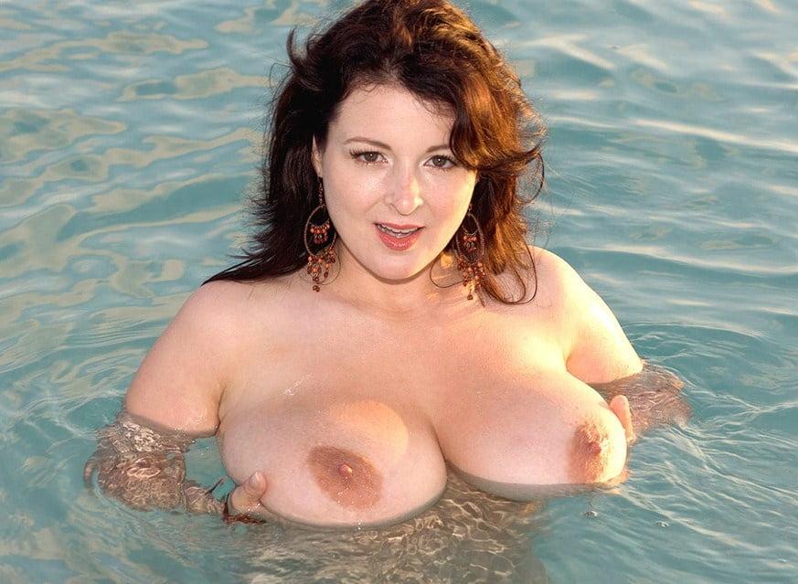 Porn brunette big tits-7956