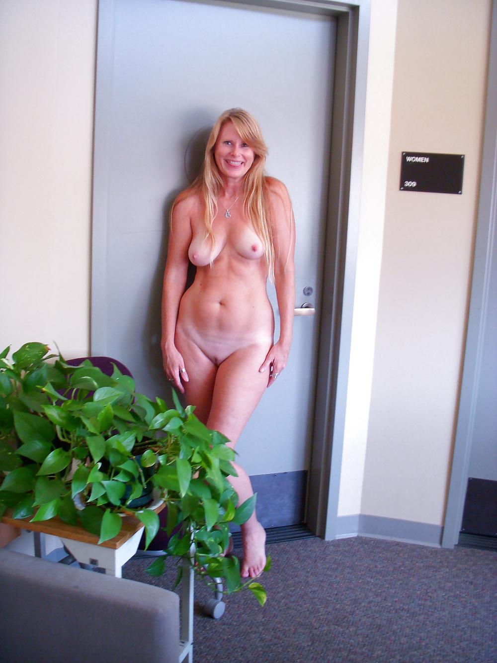 Naked girl hallway dare sex mom fuck