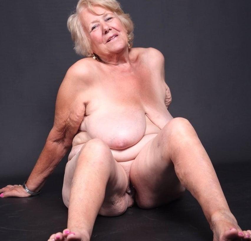 Hure Granny Liebeskugeln Facesitting