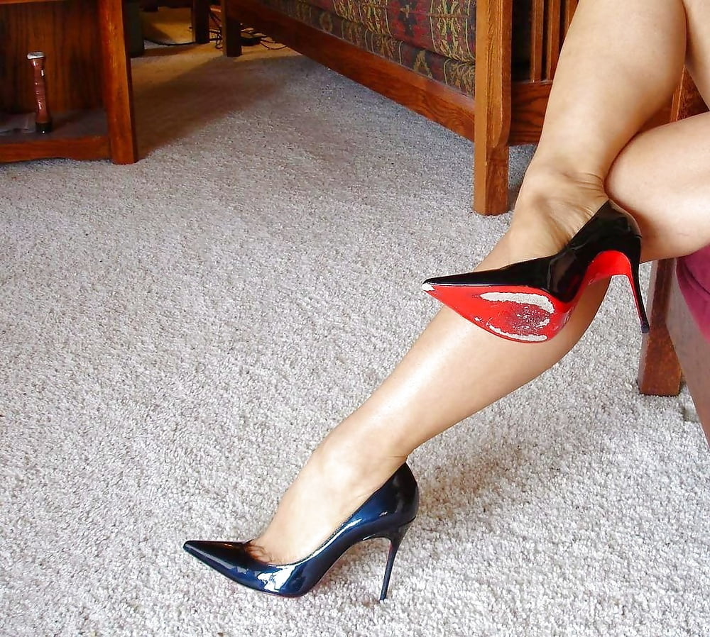 Freeones board the free sex community milf in wedge heels
