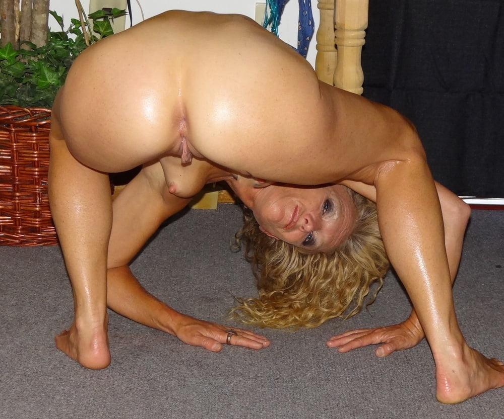 Older mom bending over naked photos porno