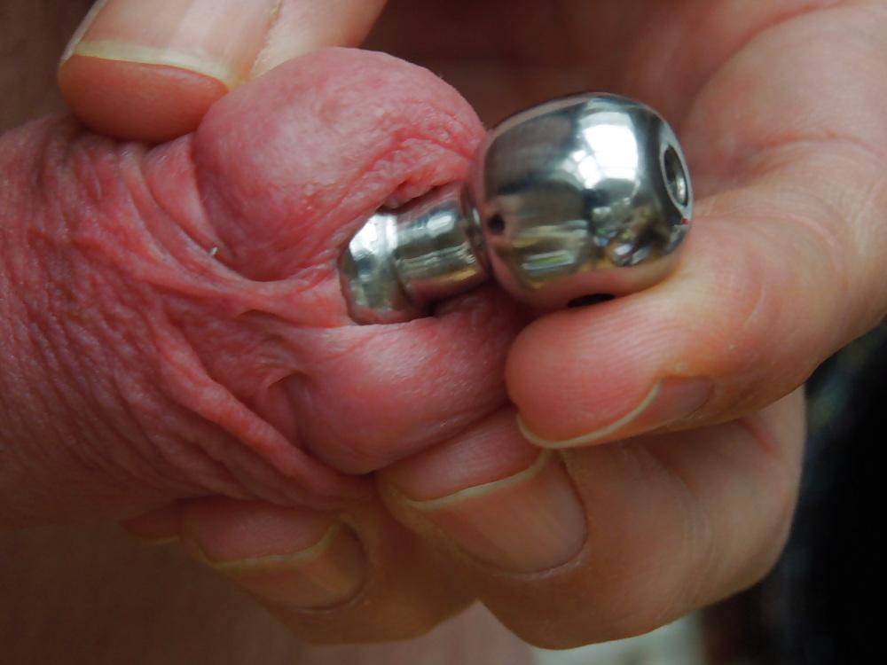 Small diamond penis plug