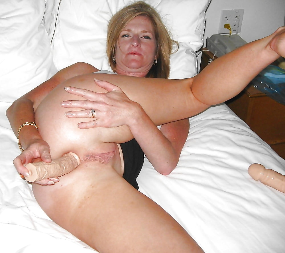 homemade-anal-masturbaters-caught-having-sex-by-parents