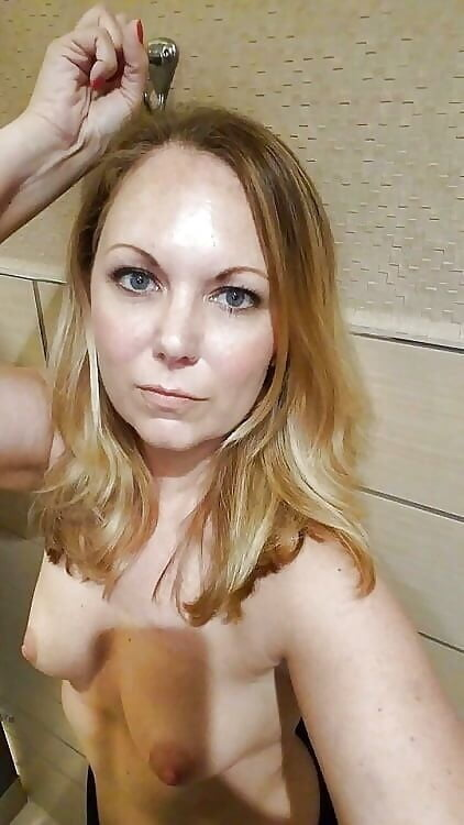 kylie rogue amateur caught in her panties there