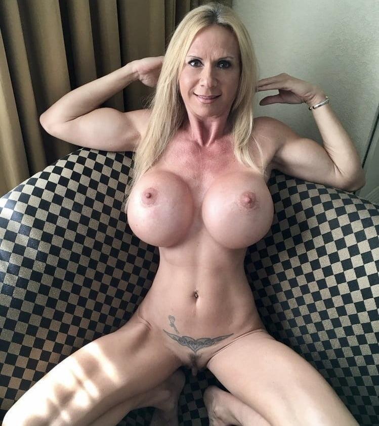 Young mom fake tits — pic 9