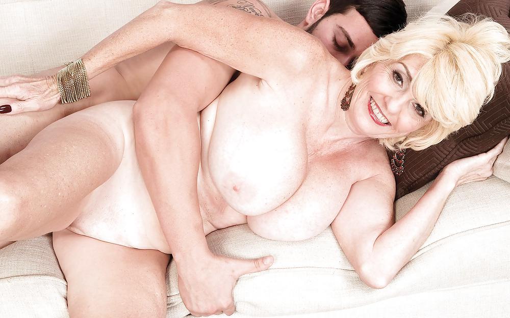 ставят своих порно фото старушки сисястые какой-то момент