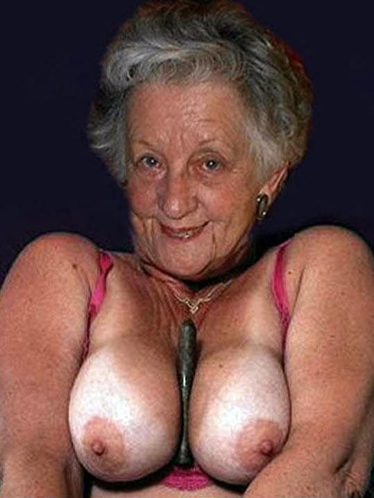 Erotic black grannies 1