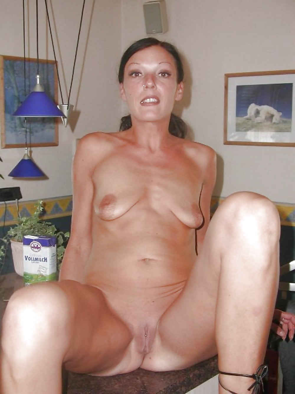 Free small saggy tits mature pictures collection